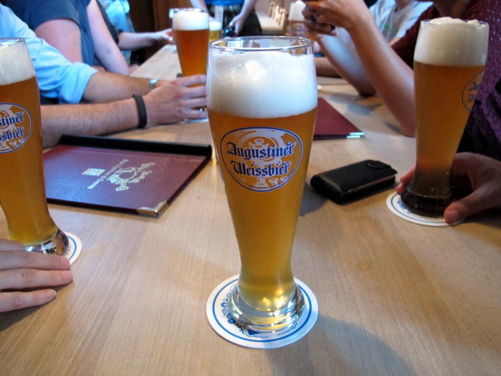 Die 'eisernen Blogger' im Augustiner Bürgerheim ... mehr dazu, einfach im Blog weiterlesen :-)