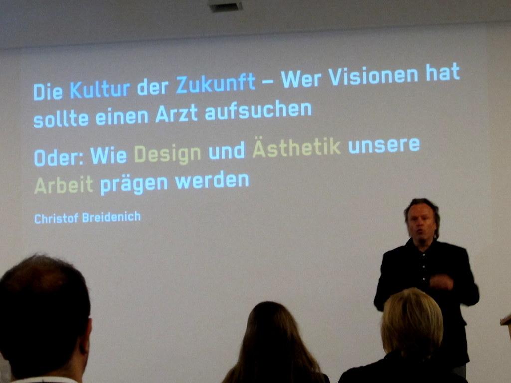 Wir lassen uns von Christof Breidenich in Designwelten entführen...