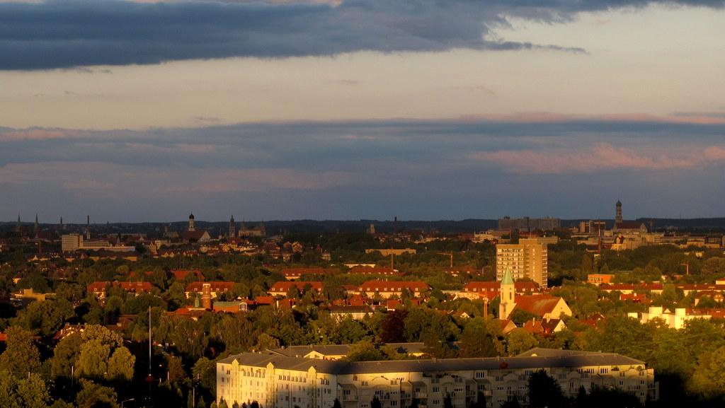 Blick über Augsburg vom Dach des Zentralklinikums Richtung Osten