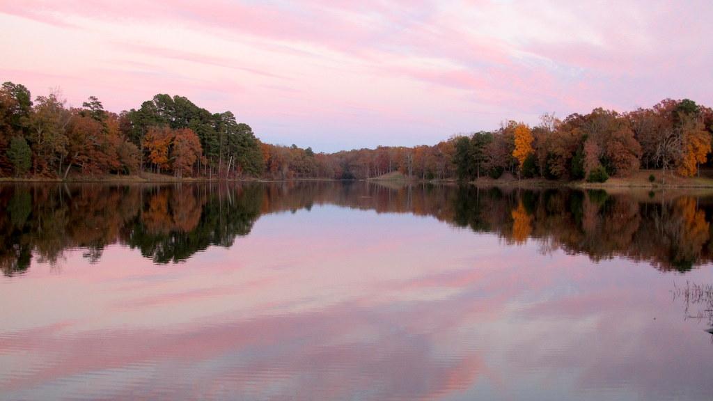 Herbststimmung am Campingplatz in Tupelo (Mississippi)