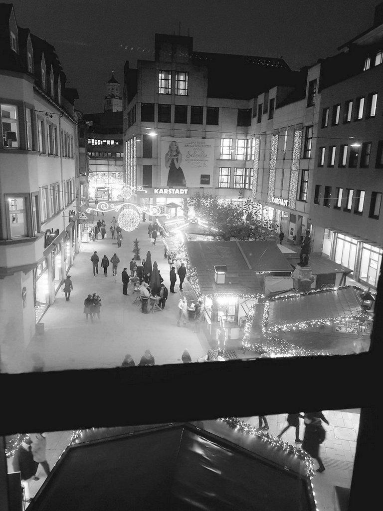 Blick auf Martin-Luther-Platz Augsburg