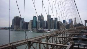 Blick von der Brooklyn Bridge nach Manhattan